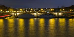 300px-Pont_des_Invalides_-_01